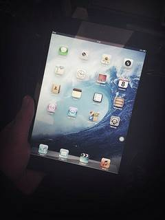 iPad Mini - Image Source: Simon Q.